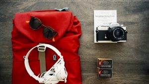 holiday clutter - clothes-travel-voyage-backpack