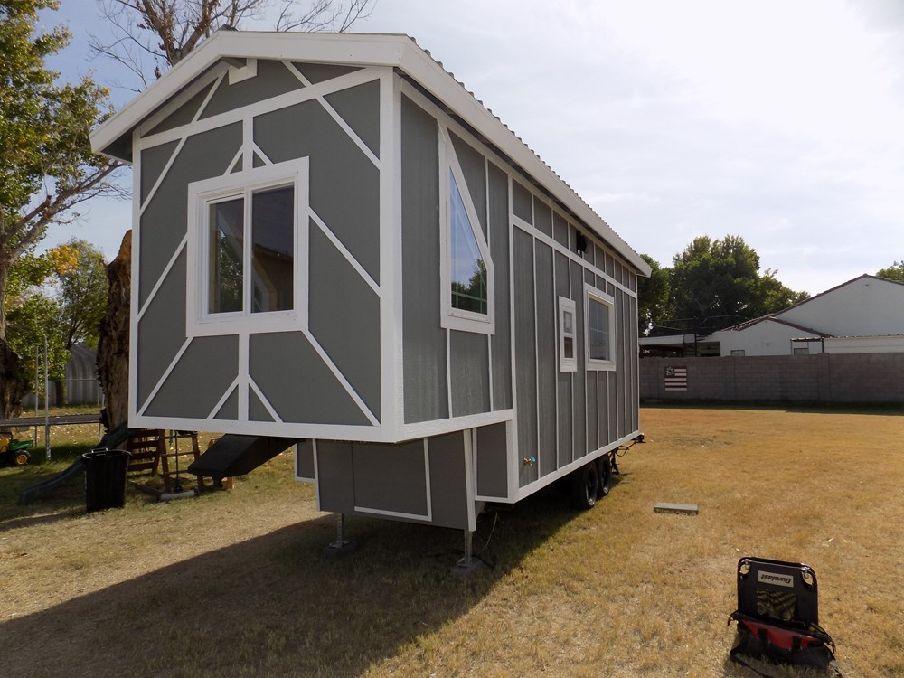 @@@TINY HOUSE ON WHEELS @@@