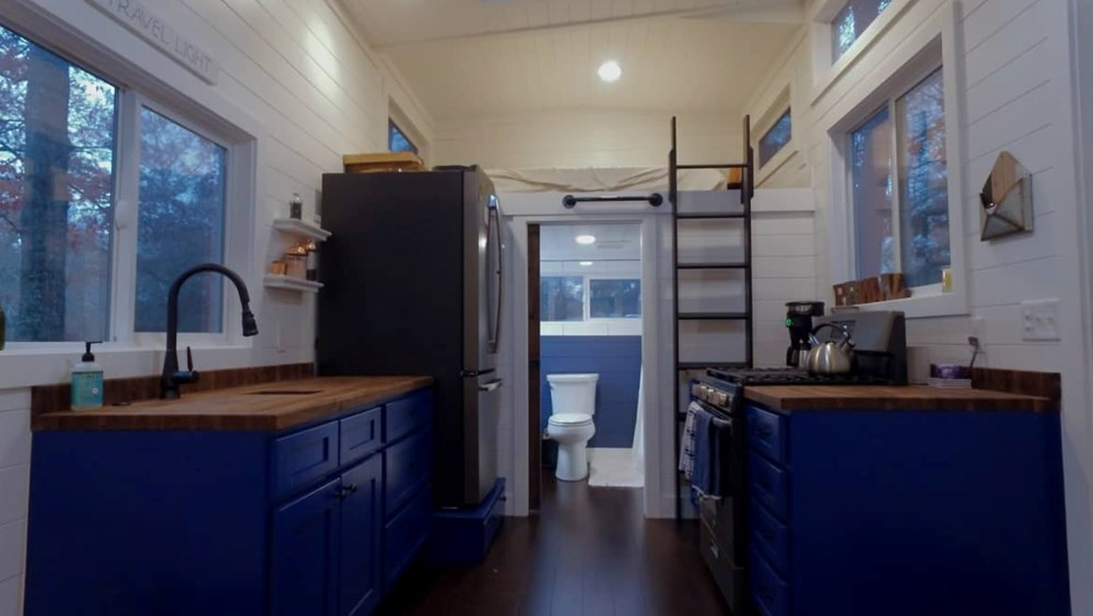 10x30 GORGEOUS Tiny House For Sale 4