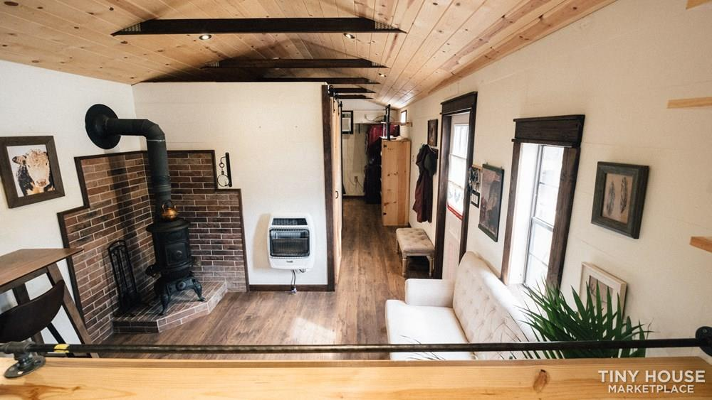 tiny house  sale  modern farmhouse adu