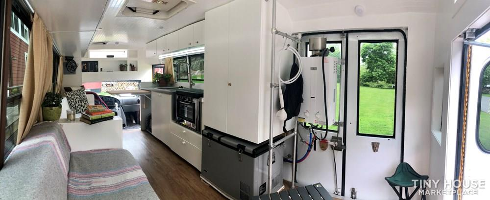 2004 Ford E-450 7.3L Diesel Engine Tiny House/Professionally Converted Mini Bus 23