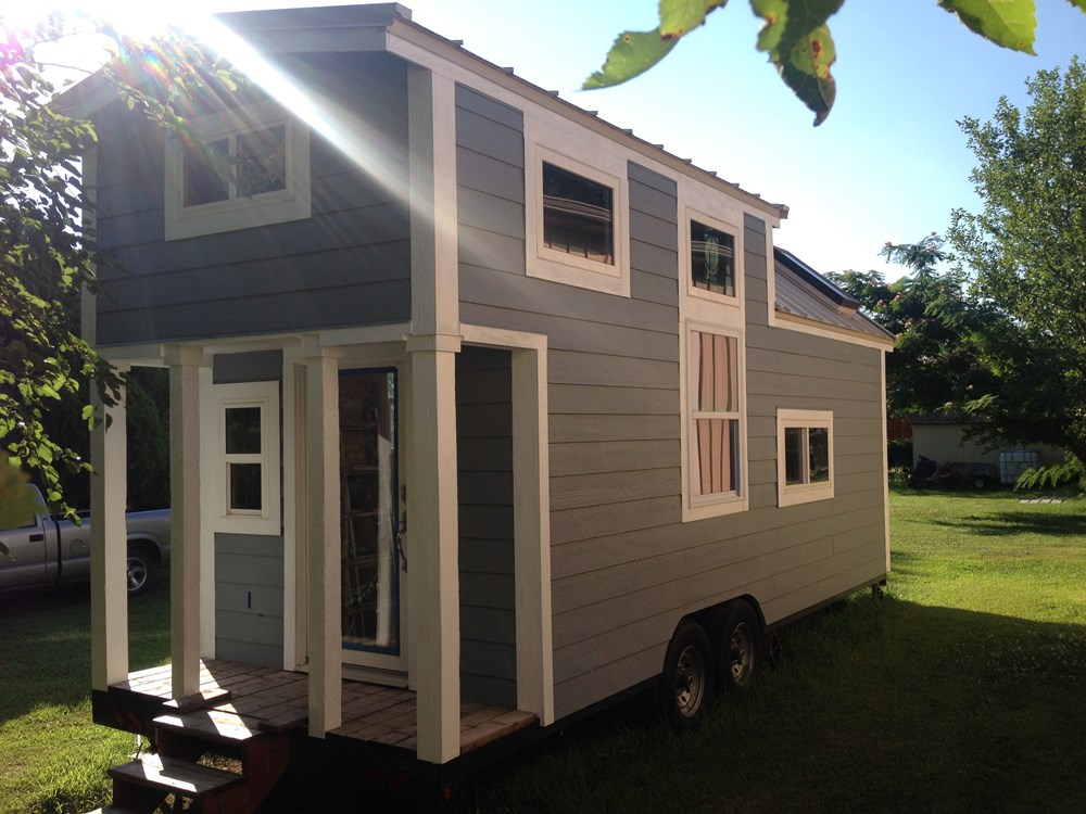 tiny house for sale 24 39 custom tiny dala haus. Black Bedroom Furniture Sets. Home Design Ideas