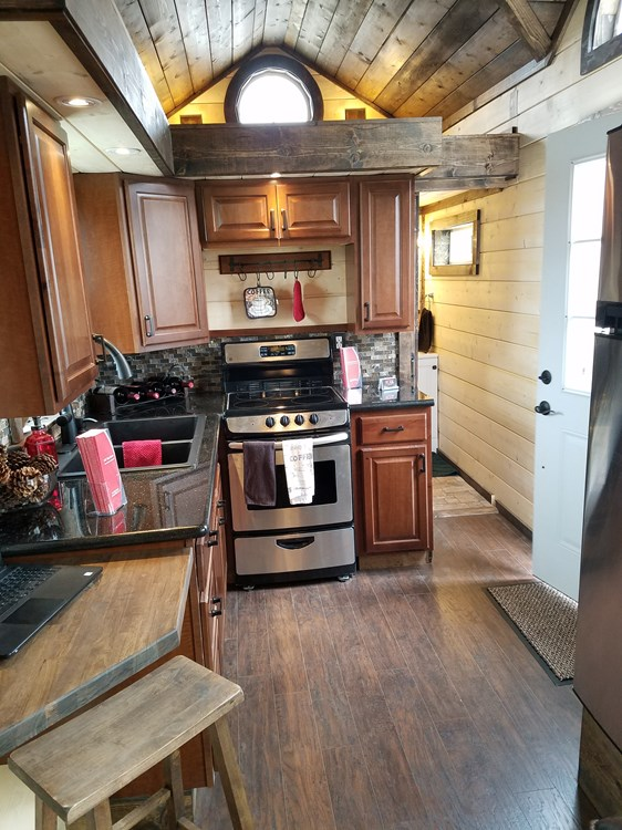 CUSTOM 33ft Log Cabin Style Tiny House- PRICE REDUCED! 2