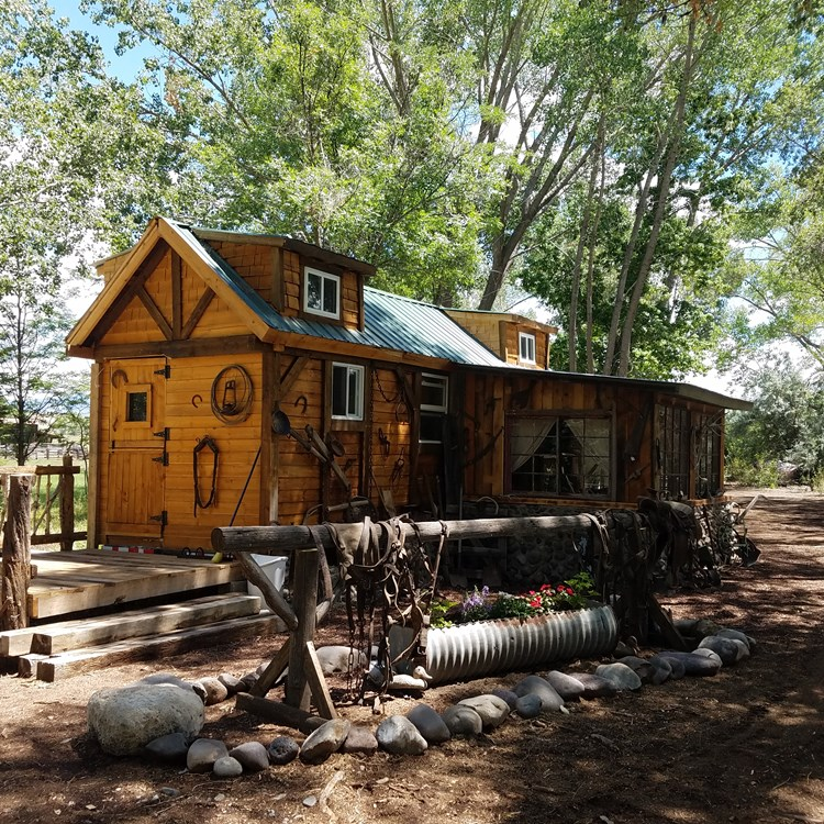 Proven Money Maker!!!  Wonderful, Cozy Mountain style Tiny Home for Sale