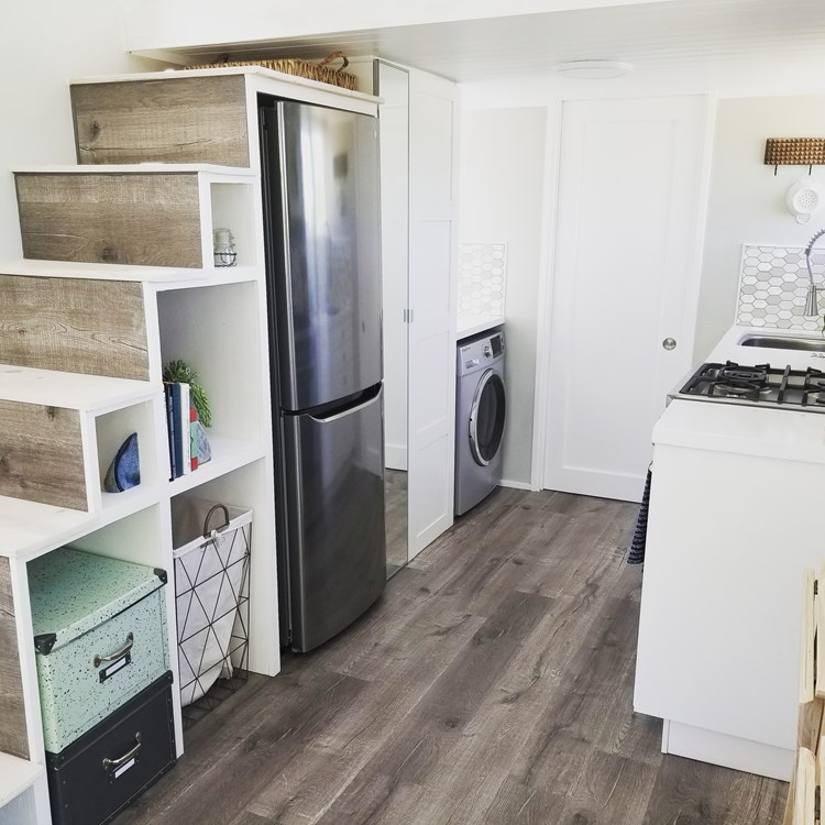 Tiny Home on Wheels - Fully Furnished and Ready to go! 7