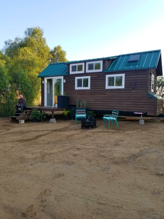Tiny Home on Wheels - Fully Furnished and Ready to go! 4