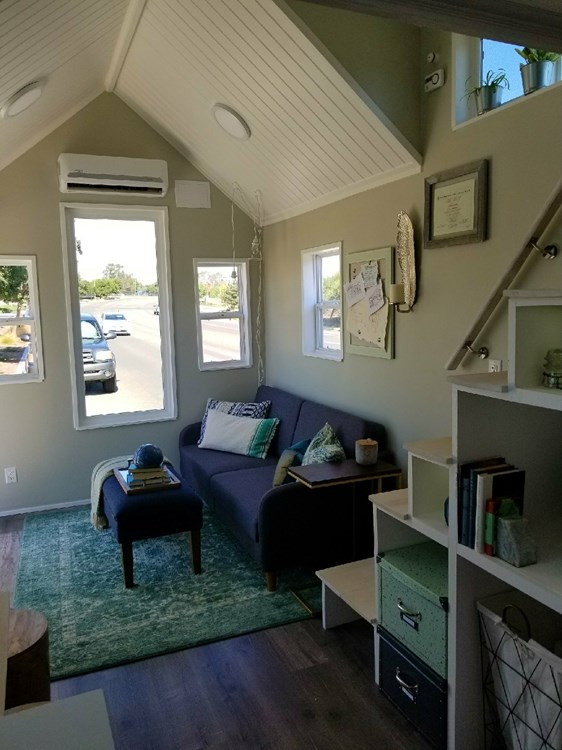 Tiny Home on Wheels - Fully Furnished and Ready to go! 10