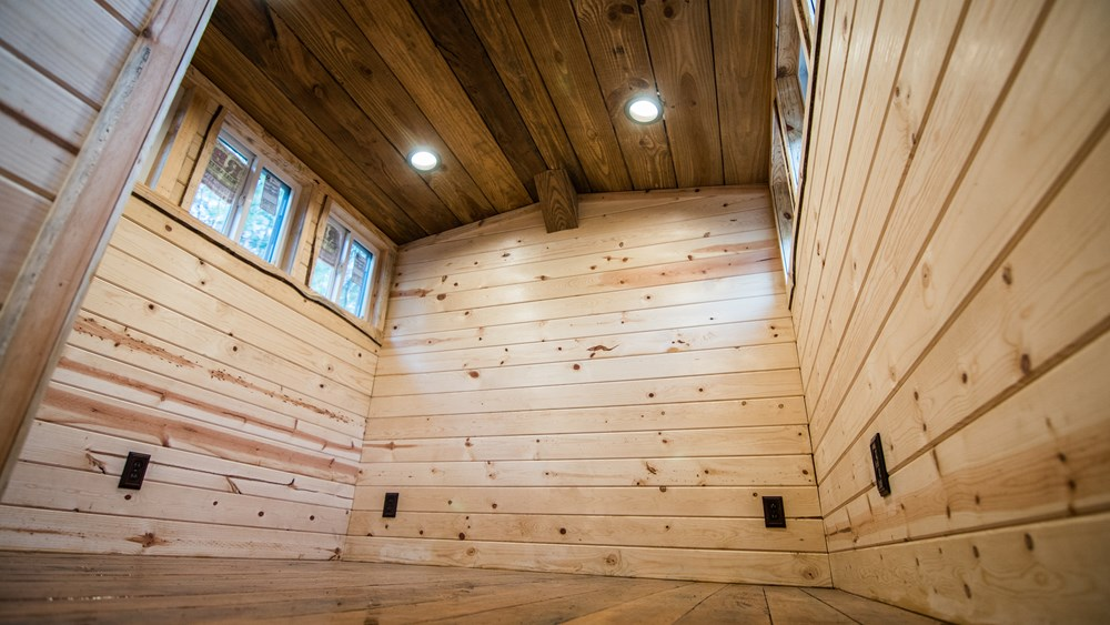 Rustic Goosneck Tinyhouse 39ft 10