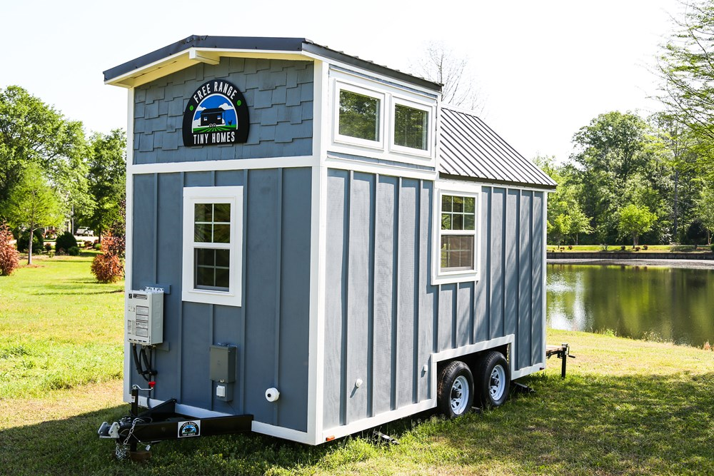 Free Range 16ft Custom Cottage 2