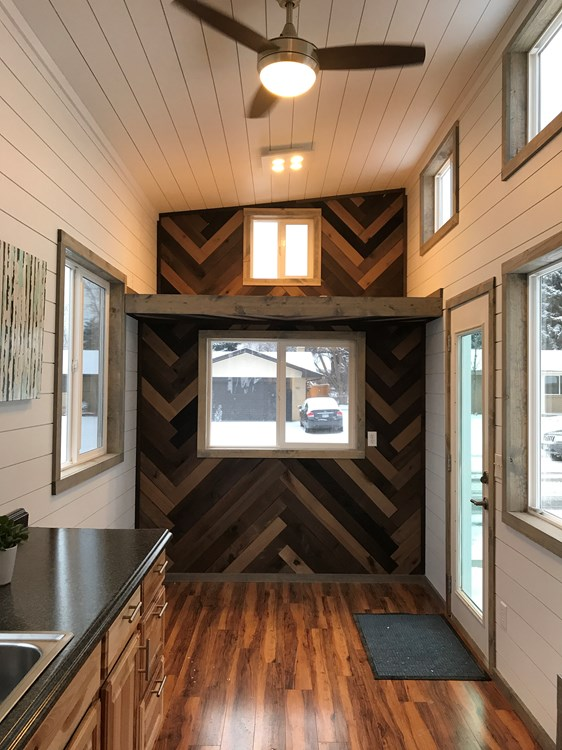 Bright and Spacious Tiny Home! 7