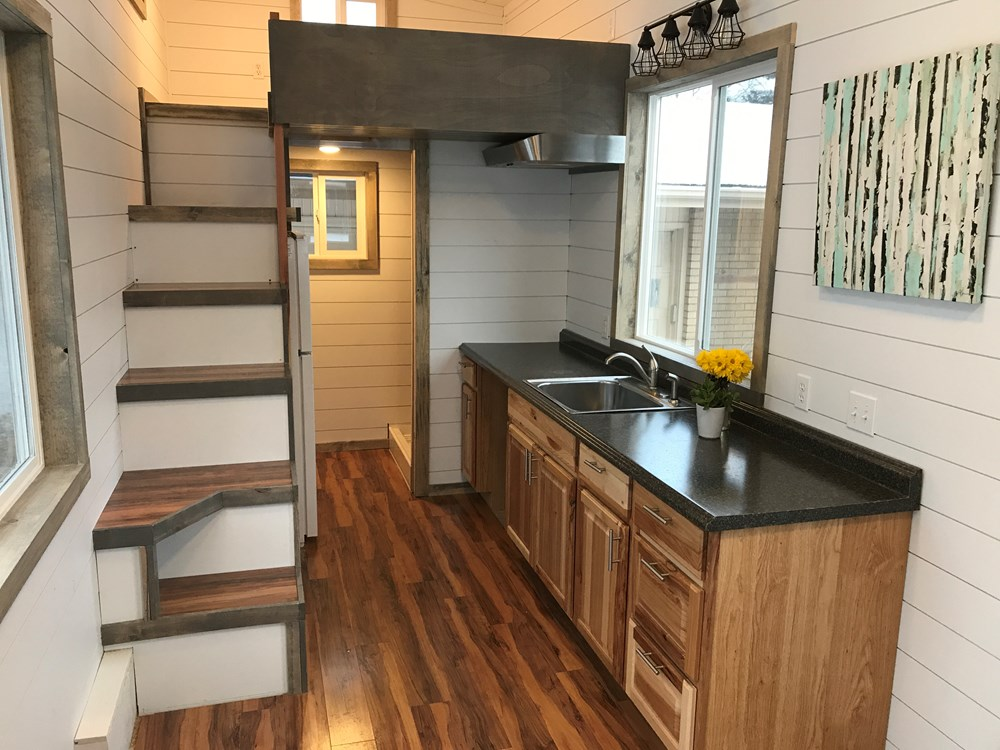 Bright and Spacious Tiny Home! 3