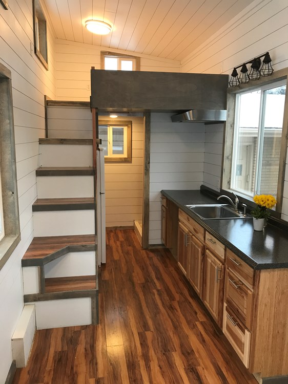 Bright and Spacious Tiny Home! 4