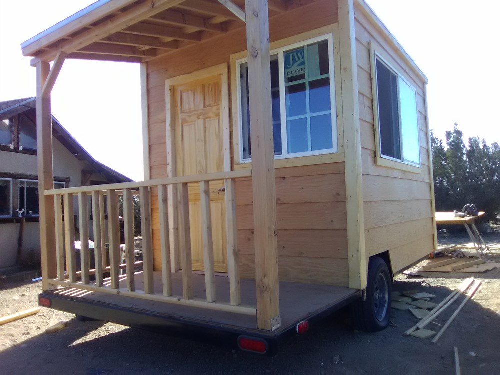 solar powered tiny home trailer 92 sqf