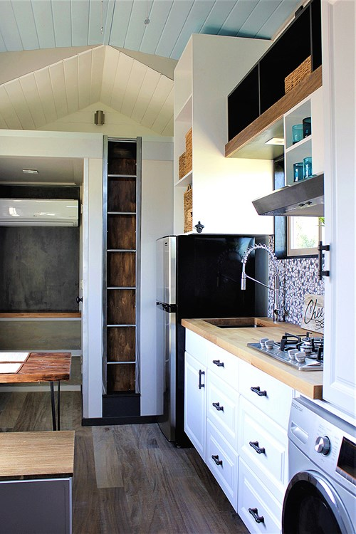 Luxurious Tiny House For Sale 9