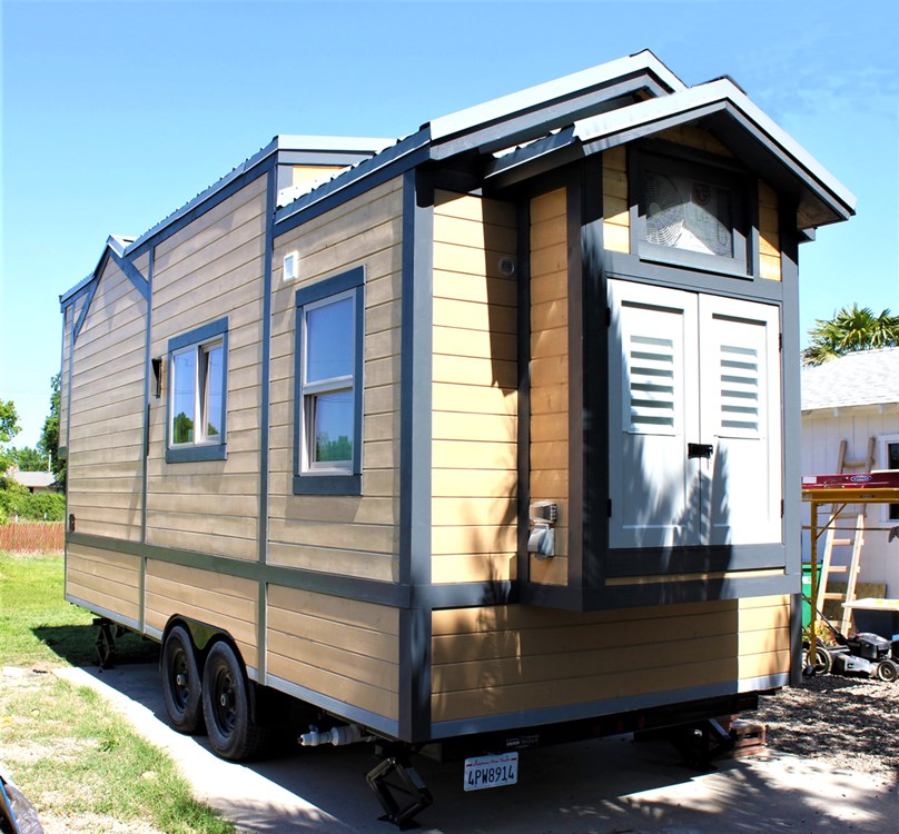 Luxurious Tiny House For Sale 4