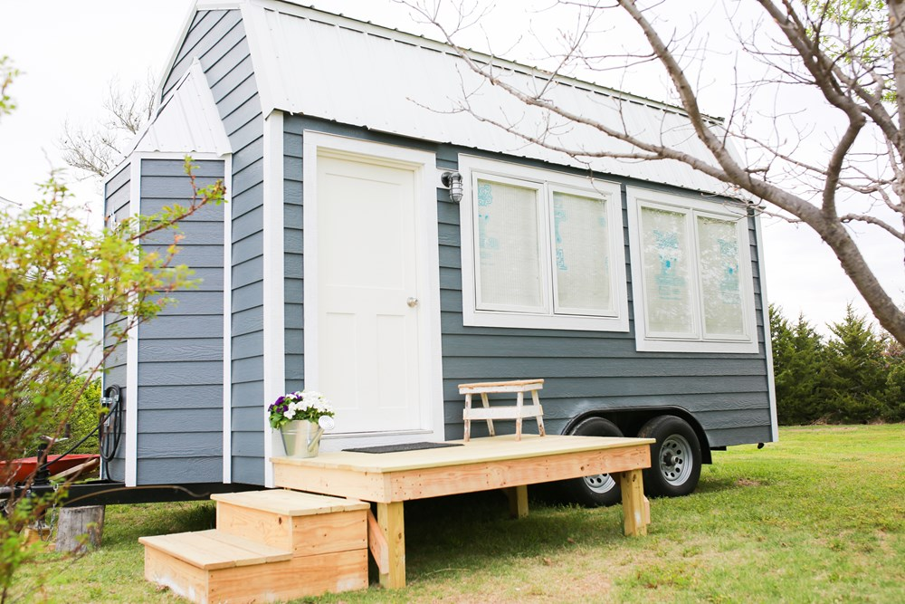 The Tiny House Studio The Could 1