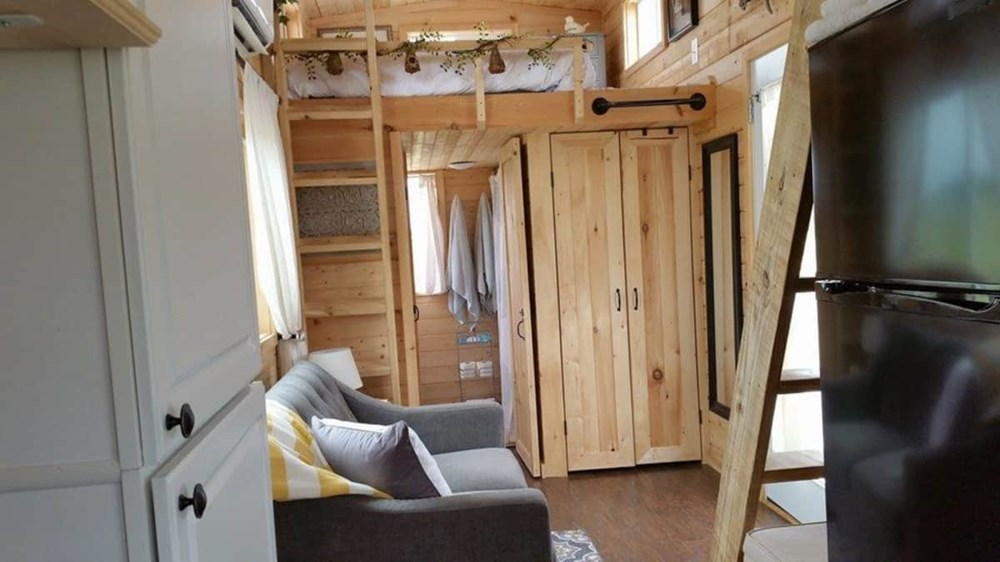 HGTV featured Tiny House on Wheels in DFW (24x8x13) - Price reduced 4/17/19 5