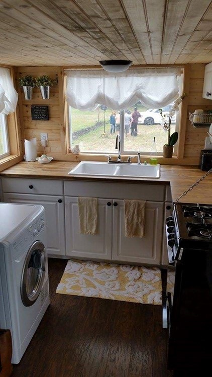 HGTV featured Tiny House on Wheels in DFW (24x8x13) - Price reduced 4/17/19 8