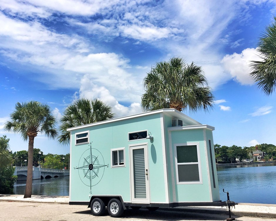 Tiny Beach House On Wheels Sleeps 4 4440 lbs LIGHTWEIGHT 1