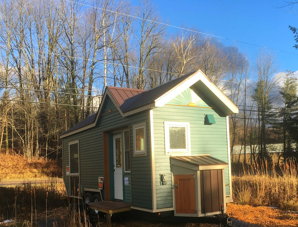Custom Tiny House Ready to Go  11