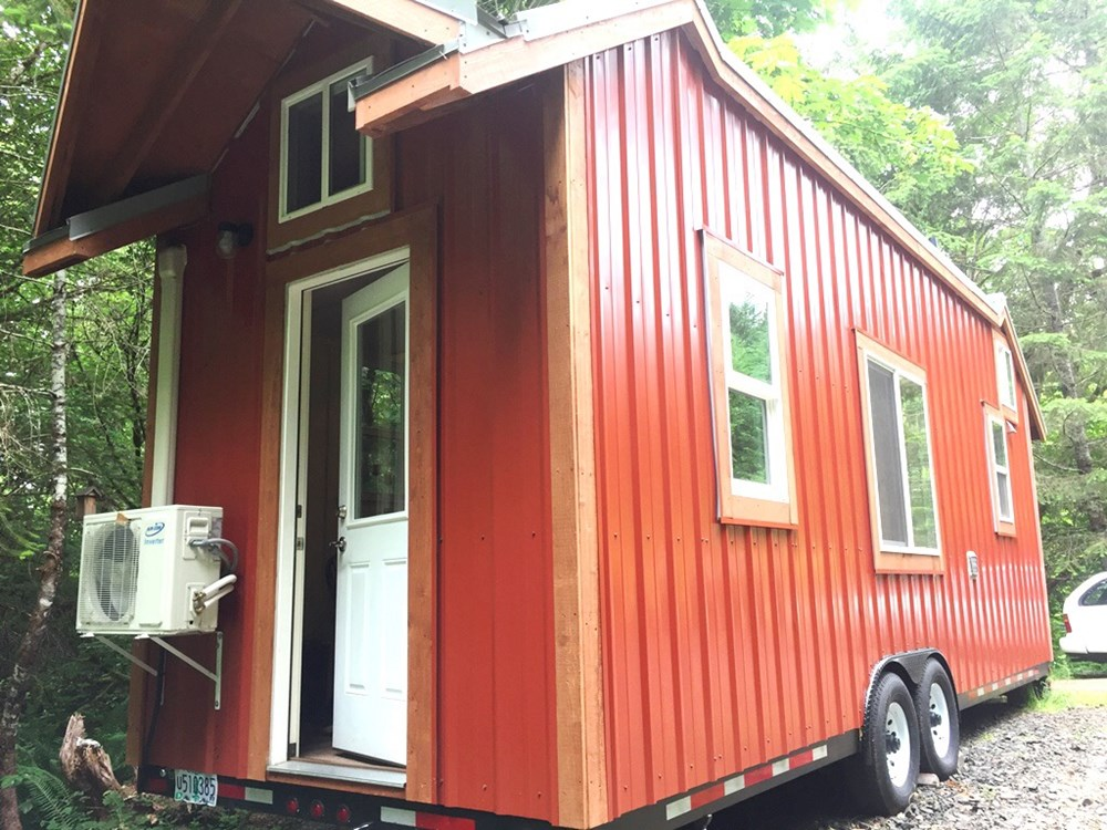 Fully-Equipped Tiny House 11