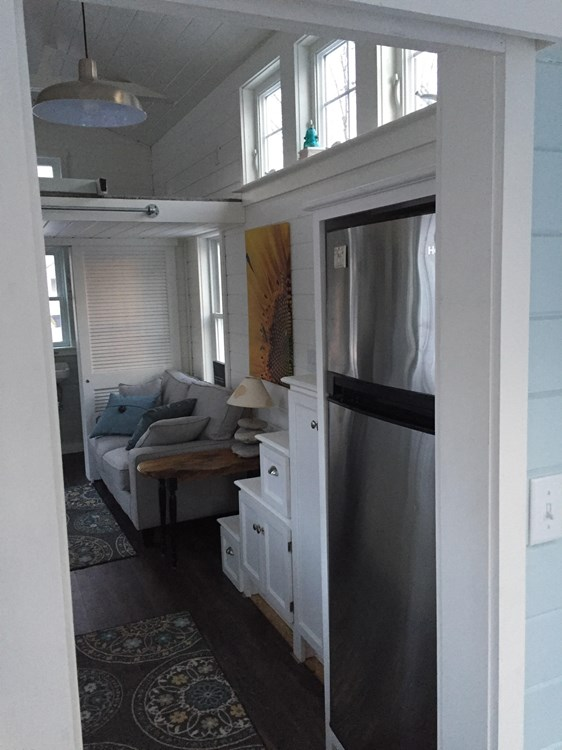 Tiny house on wheels- new built- never lived in 9