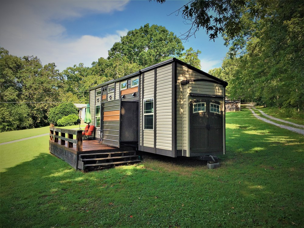 Turn Key Luxury Tiny House on Wheels