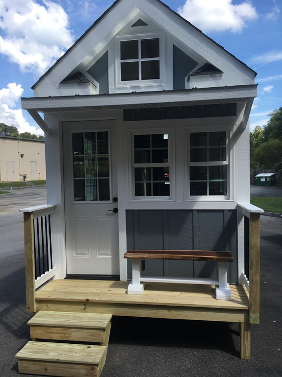 New craftsman style 20 foot tiny home with lots of character 3