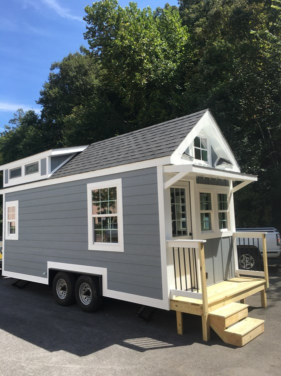 New craftsman style 20 foot tiny home with lots of character 4