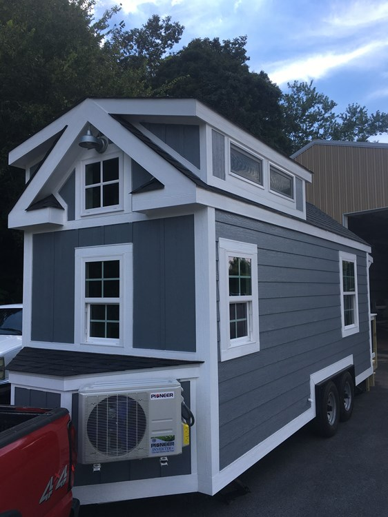New craftsman style 20 foot tiny home with lots of character 2