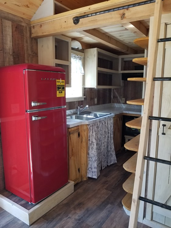 Adorable Tiny Home on Wheels for Sale ! ! ! 2