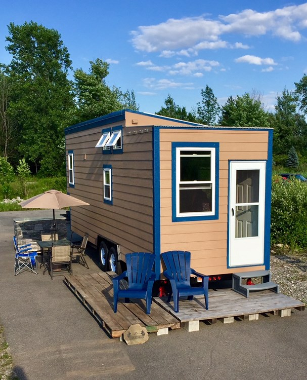 Tiny House equipped with Solar!