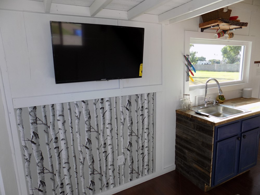 TINY HOUSE ON WHEELS LETS MAKE A DEAL 4