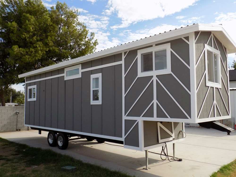 @@@@ TINY HOUSE ON WHEELS LETS MAKE A DEAL@@@