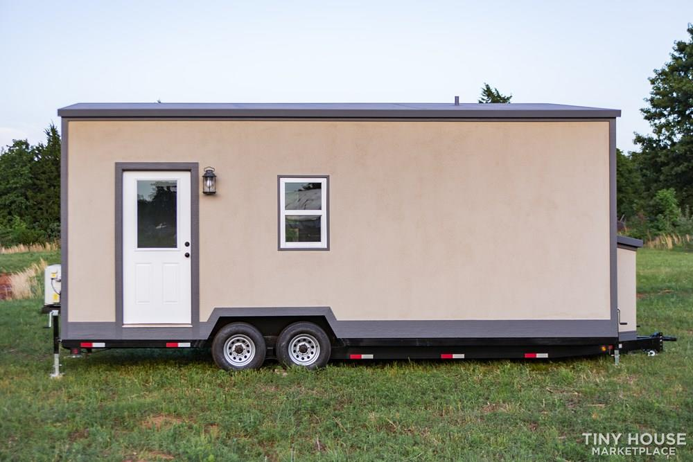 24' Lightweight Tiny House - Perfect for Office/Studio or Students 1