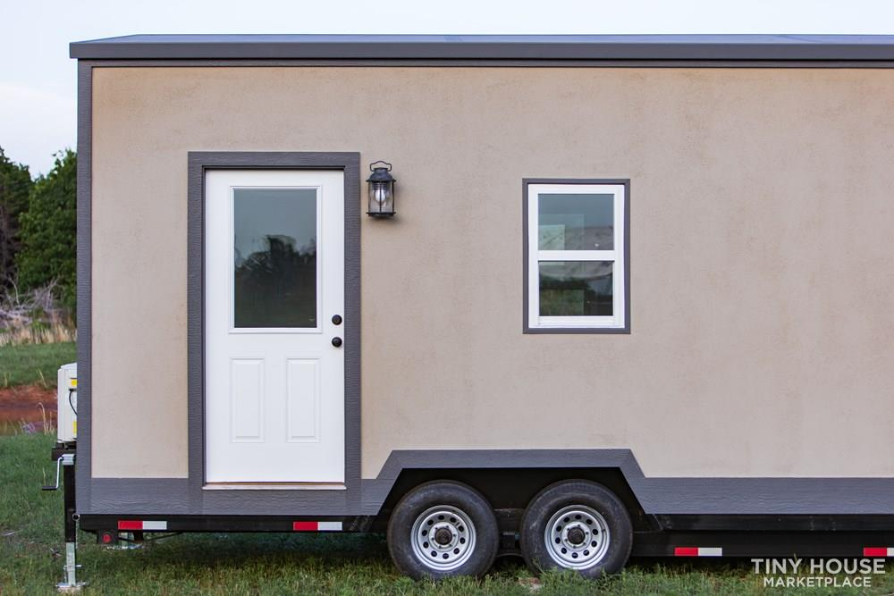 24' Lightweight Tiny House - Perfect for Office/Studio or Students 2