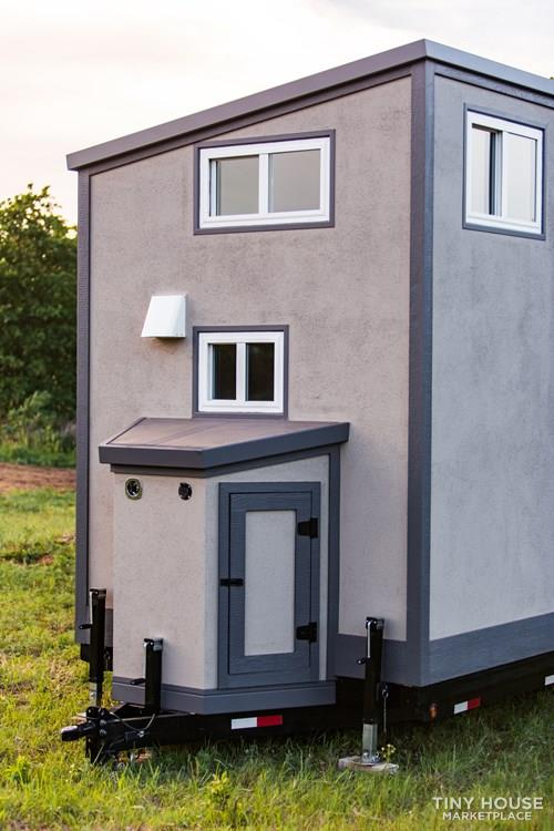 24' Lightweight Tiny House - Perfect for Office/Studio or Students 3