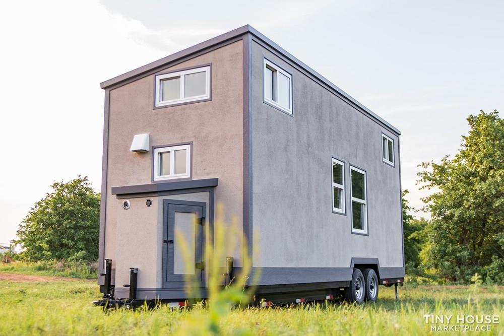 24' Lightweight Tiny House - Perfect for Office/Studio or Students 4