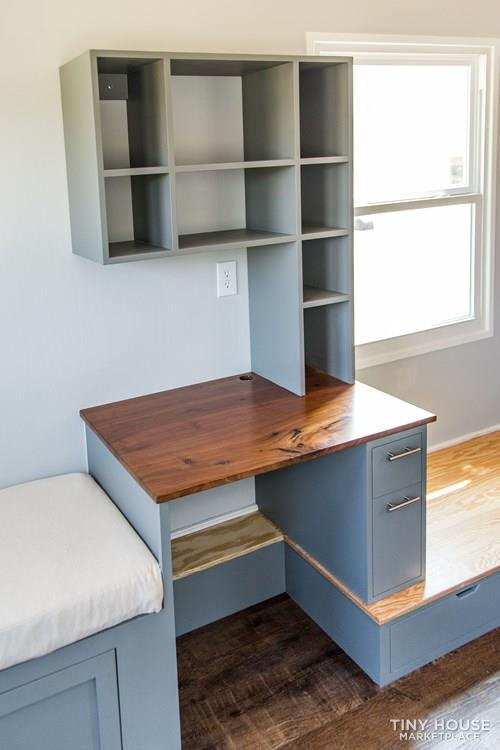 24' Lightweight Tiny House - Perfect for Office/Studio or Students 10
