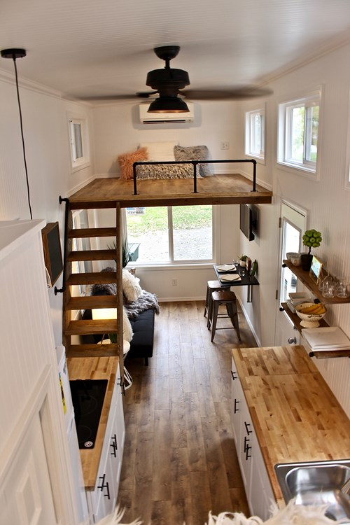 26' Chateau Shack Tiny Home on Wheels 10