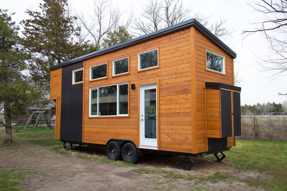 26' Luxurious, Spacious, Brand New Tiny Home on Trailer! Ready to move! 9