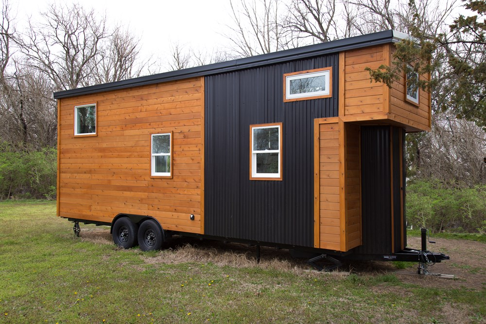 26' Luxurious, Spacious, Brand New Tiny Home on Trailer! Ready to move! 11