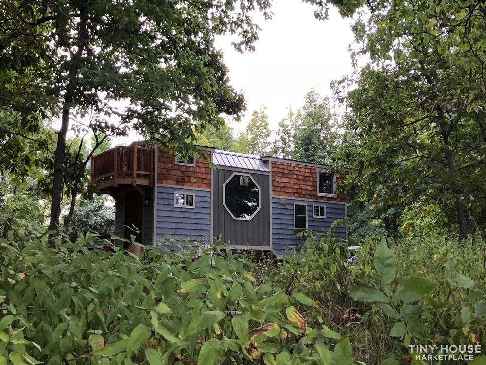 28 Foot Custom Luxury Tiny House that is Full of Amenities!!   1