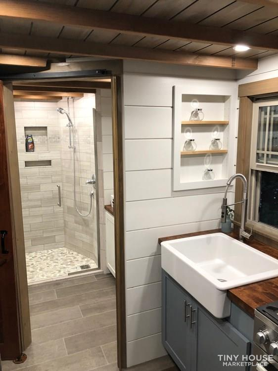28 Foot Custom Luxury Tiny House that is Full of Amenities!!   5