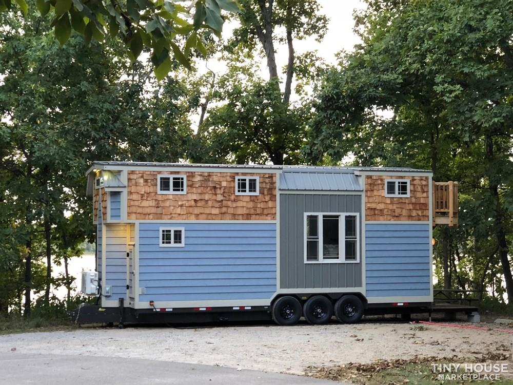 28 Foot Custom Luxury Tiny House that is Full of Amenities!!   7