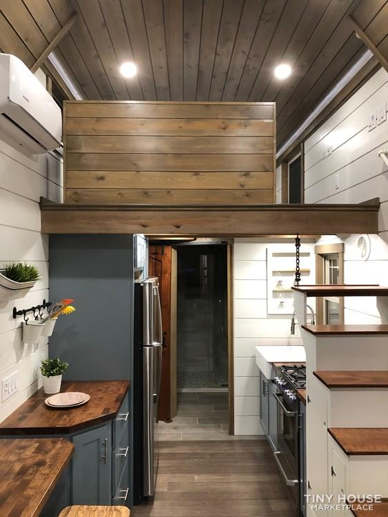 28 Foot Custom Luxury Tiny House that is Full of Amenities!!   19