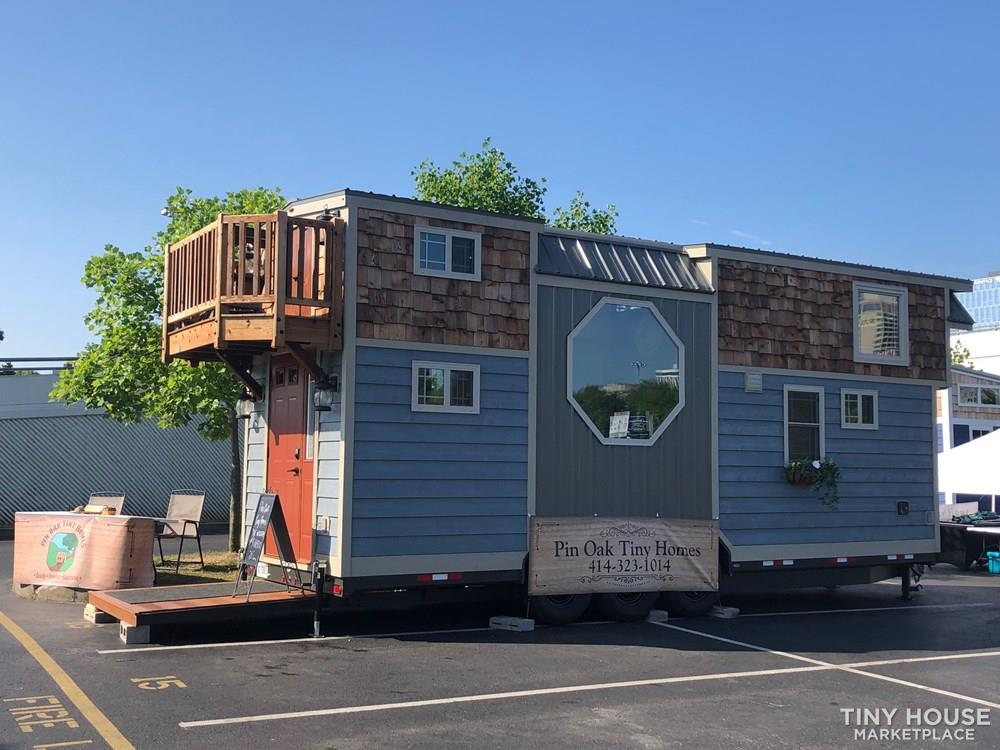 28 Foot Custom Luxury Tiny House that is Full of Amenities!!   22