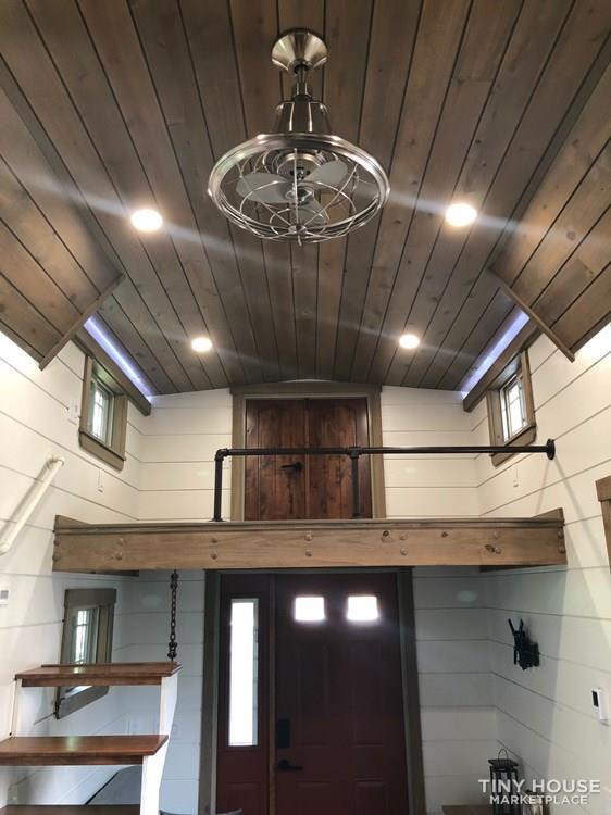 28 Foot Custom Luxury Tiny House that is Full of Amenities!!   30