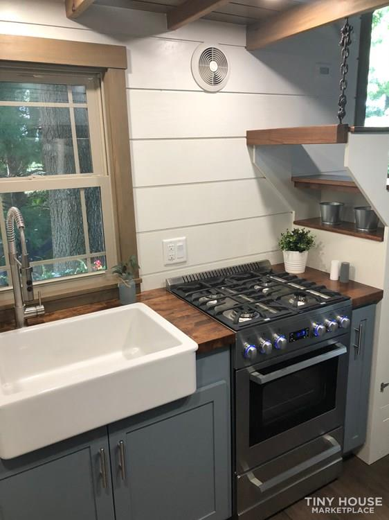28 Foot Custom Luxury Tiny House that is Full of Amenities!!   39