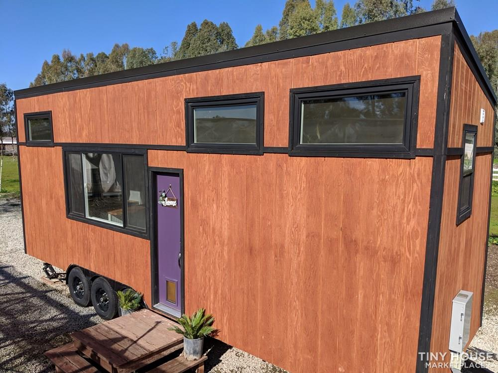 28 ft Modern & Spacious Tiny House on Wheels